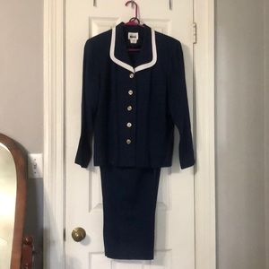 Leslie Fay ladies suit